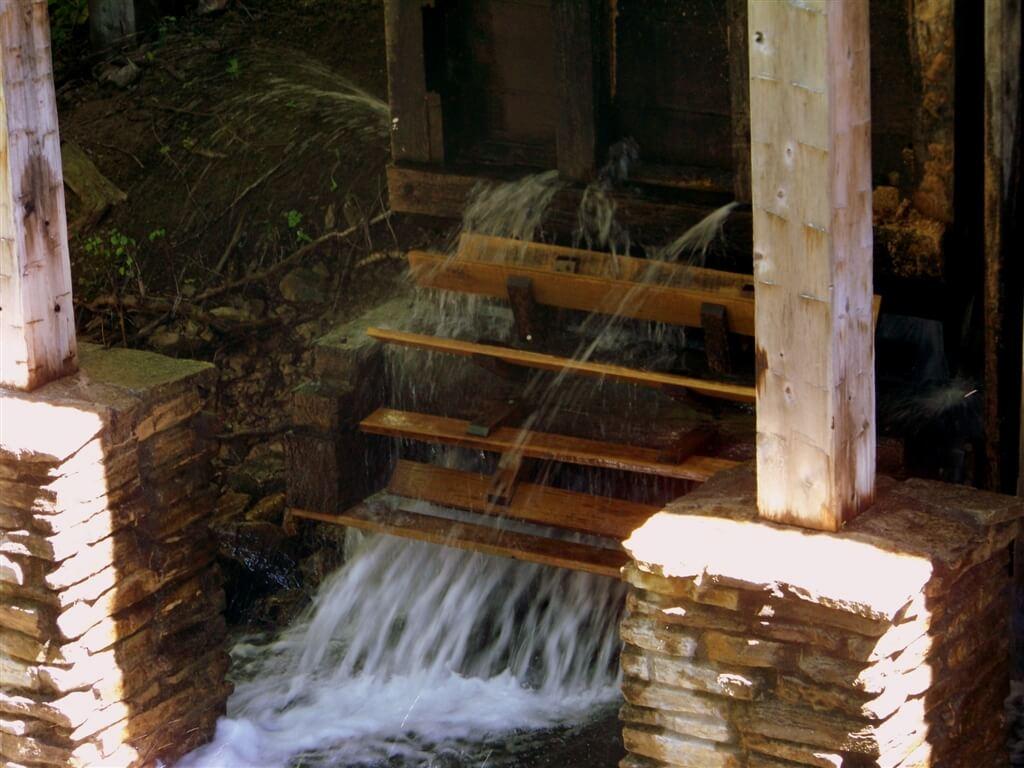 Photo of the sawmill turbine at Historic Mill Creek Discovery Park in Mackinaw City, MI. © 2016 Frank Rogala.