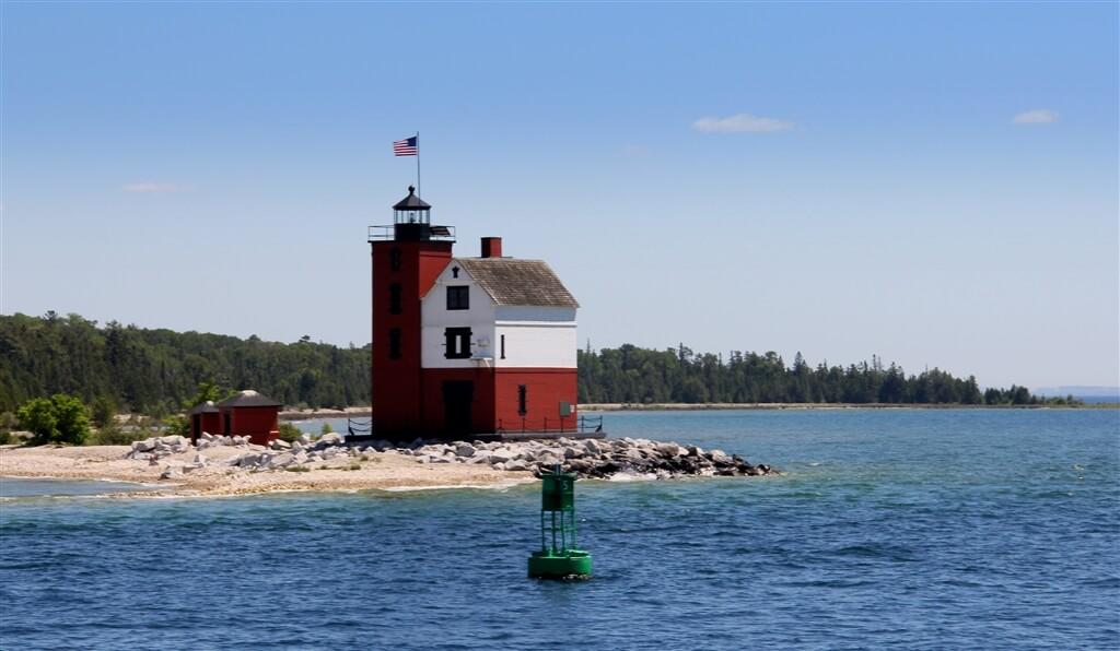 Photo of the Round Island Lighthouse. © 2016 Frank Rogala.