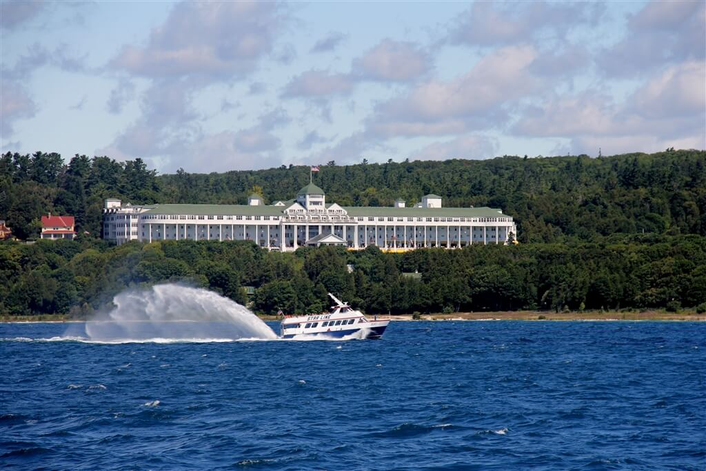 Photo of a Mackinac Island Ferry in front of the Grand Hotel on Mackinac Island. © 2016 Frank Rogala.
