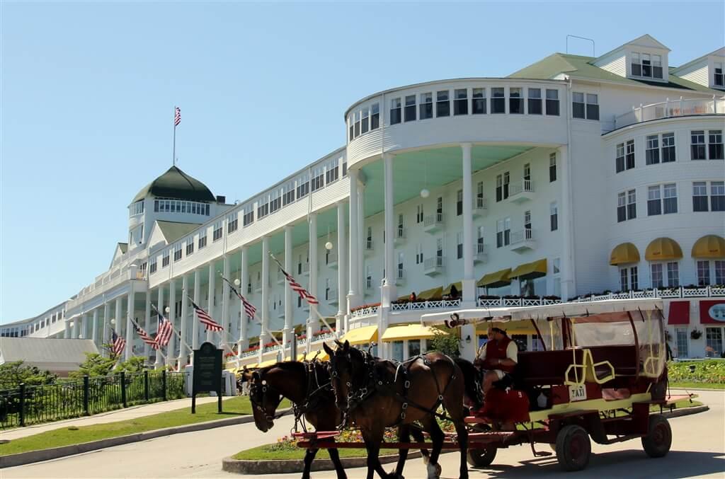 Photo of the Grand Hotel on Mackinac Island. © 2016 Frank Rogala.
