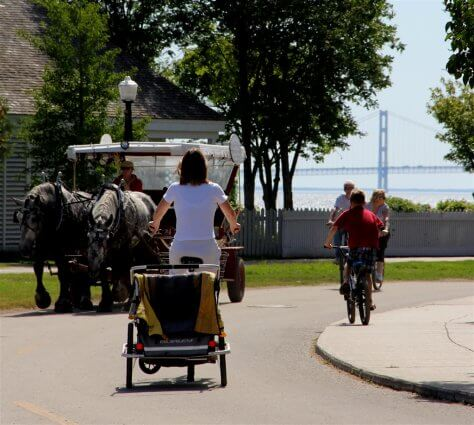 Photo of horse-drawn carriages on Mackinac Island. © 2016 Frank Rogala.