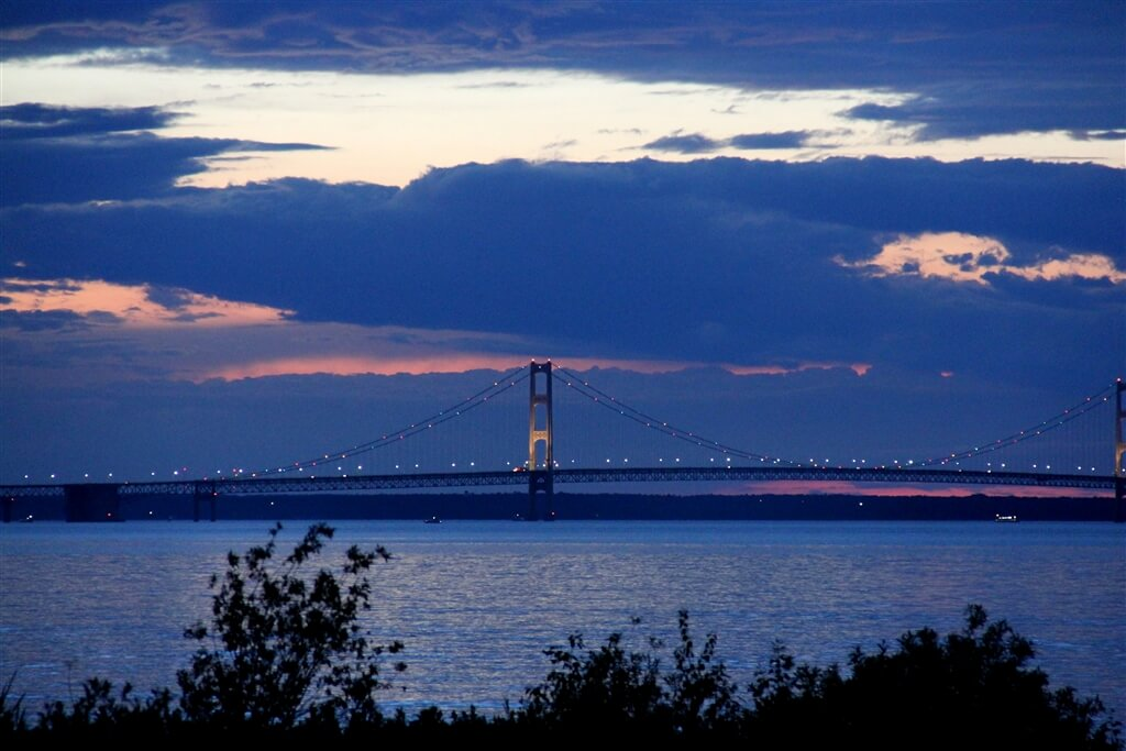 Photo of a sunset over the Mackinac Bridge from Mackinaw Mill Creek Camping in Mackinaw City, MI. © 2016 Frank Rogala.